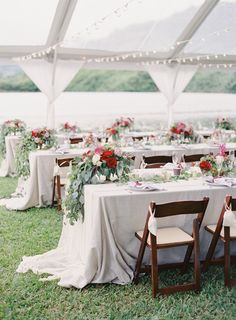 the great romance photo // hawaii oahu kualoa ranch wedding