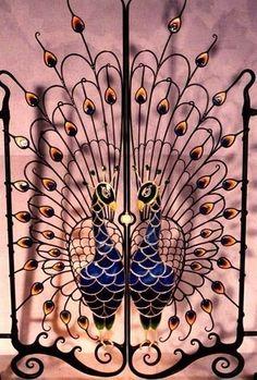 Beautiful wrought-iron gates from around the world -Relaxwoman Peacock Decor, Peacock Art, Peacock Design, Peacock Pics, Metal Gates, Wrought Iron Gates, Gate Design, Door Design, Garden Gates