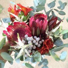 Ramo de novia en otoño #autumnflower #ramosdenovia #proteas #astilbe #eucalipto #floresexoticas #ramosdiferentes #ramossilvestres