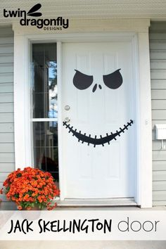 Disney Halloween Decorations you can make yourself! Easily add some Disney fun to your Halloween by turning any white door into a Jack Skellington face from the Nightmare Before Christmas! Deco Porte Halloween, Deco Haloween, Casa Halloween, Halloween Birthday, Holidays Halloween, Halloween Skeletons, Happy Halloween, Halloween Jack, Halloween Porch