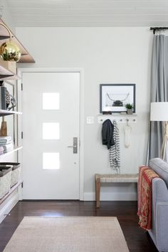 Clever Ways to Fake a Foyer As long as you've got a place to tie your shoes and hang your coat, even the tiniest entryway will feel complete. See more at House Tweaking Narrow Living Room, Small Space Living, Home Living Room, Small Spaces, Small Entryway Bench, Entryway Decor, Entryway Ideas, Entry Bench, Small Bench