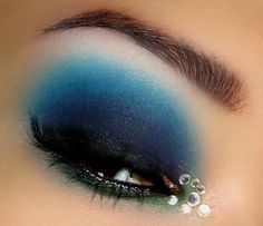 Sparkly Mermaid-going to try this look!