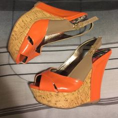 ITEM ❣Cute wedges size 7 true to size❣ Cute wedges size 7 Dollhouse Shoes Wedges