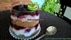 DIN SERTARUL CU REȚETE: Desert la pahar cu afine și coacăze negre Tiramisu, Pudding, Mai, Ethnic Recipes, Desserts, Food, Tailgate Desserts, Deserts, Essen