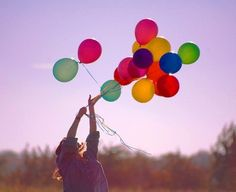 Image about girl in Bubbles-Balloons by ℒuсy on We Heart It Energie Positive, Bubble Balloons, Bubbles, Happy Balloons, Love Balloon, Foto Casual, Colourful Balloons, Colorful, Foto Instagram