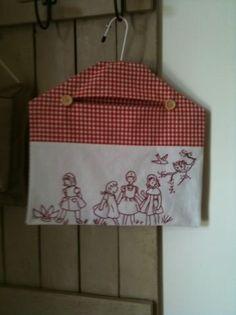 Idée de sac à  linge ...réepinglé par Maurie Daboux...ზი.黎⋱‿❤╮
