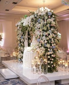 Dream Wedding, Presentation, Christmas Tree, Table Decorations, Holiday Decor, Floral, Furniture, Home Decor, Party
