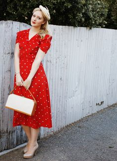 A 1940s style red dress to take me from summer through Autumn