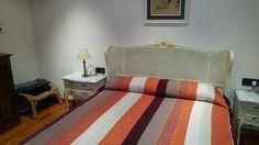 """900000,00€ · Fantastico Chalet · """"Fantástica casa de 500 m2 en una de las mejores zonas de Matadepera, Urb. Els Rourets. En parcela de 2.200 m2 ajardinada. Acabados de primera calidad. Impresionantes vistas. Consta de 5 dormitorios dobles (1 de ellos suite con vestidor, 1 baño completo con bañera hidromasaje y ducha con sauna), 3 baños completos con bañera y 1 aseo. Bodega, 2 terrazas solarium, 1 terraza de invierno cubierta con vistas al jardín y fuego a tierra. Gran garaje para 4 coches…"""