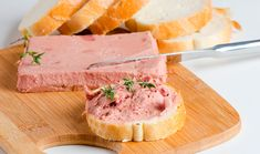 Cómo hacer paté de jamón y quesitos I Love Food, Good Food, Yummy Food, Sauce Creme, Flavored Butter, Meat Sauce, Portuguese Recipes, Food Truck, Mexican Food Recipes