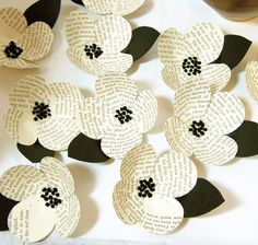 Items similar to 10 Vintage Book Page Flowers-Boutonniere Idea -Paper -Eco Friendly Wedding Decoration -Black and White Wedding -DIY Wedding Accessory on Etsy Book Page Crafts, Book Page Art, Book Pages, Book Art, Flower Crafts, Diy Flowers, Paper Flowers, Diy Old Books, Book Page Flowers