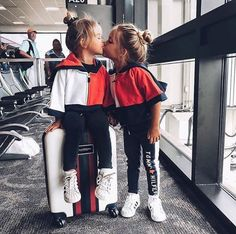 kids airport outfits are too gorge! via - These kids airport outfits are too gorge! Fashion Kids, Baby Girl Fashion, Cute Babies, Baby Kids, Taytum And Oakley, Cute Baby Pictures, Stylish Kids, Trendy Kids, Cute Baby Clothes