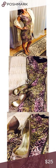 Whole outfit (look) Look includes all items pictured. Dress with side zipper: XS, Jennifer Lopez; Shoes: Size 7, Anne Klein 2; Pashmina: Handwoven, The Crock of Gold; Accessories: Statement earrings and triple bracelet. I will gladly separate items upon request! Jennifer Lopez Dresses