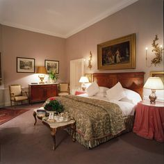 If you are looking for small luxury hotels Ireland Marlfield House is worth a visit. View picture gallery of Marlfield House small luxury hotel in Ireland Spa Breaks, Small Luxury Hotels, Rest And Relaxation, Blue Books, Luxury Furniture, Ireland, Bedroom Decor, House, Elegant