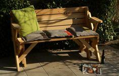 BATIKO ist die Gartentisch-Gartenbank-Kombination aus Naturholz geölt - Gartenmöbel mit Pfiff Folding Picnic Table Plans, Diy Picnic Table, Outdoor Sofa, Outdoor Furniture, Outdoor Decor, Wooden Bench Plans, Woodworking Projects Diy, Benches, Design