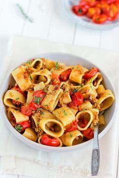 veganinspo:  'Calamari' Pasta with Olive Pesto  Cherry Tomatoes