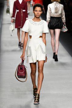 Fendi spring/summer 2016 collection show pictures | Harper's Bazaar