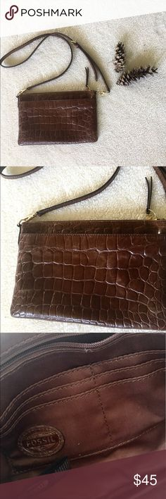 Fossil Crossbody Brown crocodile texture Crossbody bag. Excellent used condition. Some signs of wear, Fossil Bags Shoulder Bags