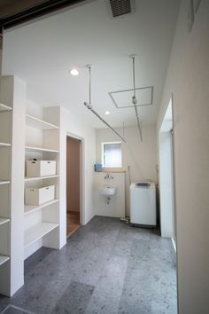 ランドリールーム @ / みどりと風工房 施工実例 Small Room Design, Laundry Room Design, Laundry In Bathroom, Landry Room, Apartment Plans, Home And Deco, My New Room, Living Room Designs, Luxury Homes