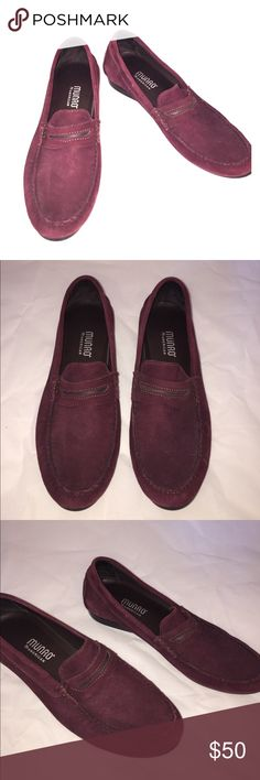 Burgundy leather MUNRO Loafers Size 11M These are super comfortable and in awesome condition. Has a a latex natural Rubber Sole with a Shock Absorbing Heel. Made in the USA. Munro Shoes Flats & Loafers