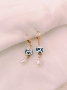 Ear Jewelry, Cute Jewelry, Jewelry Box, Jewelery, Jewelry Accessories, Dainty Earrings, Gold Earrings, Vintage Earrings, Unique Earrings