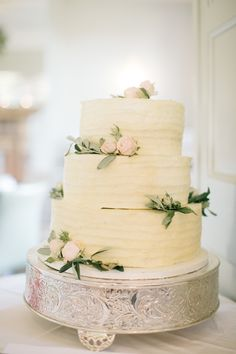 Photography: M&J Photography - mandjphotos.com Cake: Bees Bakery - www.beesbakery.co.uk Venue: Barnsley House - www.barnsleyhouse.com   Read More on SMP: http://www.stylemepretty.com/2015/11/17/fashionable-english-garden-wedding-at-barnsley-house/