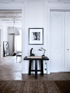 Parisian Interior by Gilles et Boissier Interior Design Inspiration, Home Interior Design, Interior Architecture, Luxury Interior, Interior Styling, Fashion Inspiration, Chic Apartment Decor, Apartment Interior, White Apartment