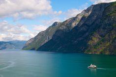 Utsikt utover Aurlandsfjorden.