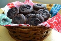 These brownie bites are easily #vegan with some dairy-free dark chocolate chips! They're full of blackberries, look delicious and are good for your hearing!