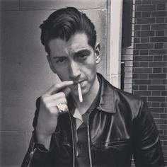 Alex Turner Alex Turner, Arctic Monkeys, New Rock Bands, Matt Helders, The Last Shadow Puppets, Tyler Blackburn, Jamie Campbell Bower, Daniel Gillies, Evan Peters