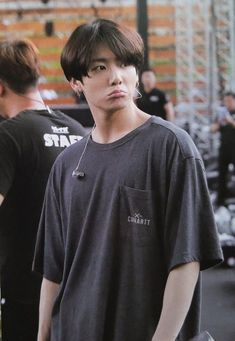 Hello my name is Jeon Jungkook Alfa twenty seven years in love with my Omega Kim Taehyung, that& how I lie all . Foto Jungkook, Foto Bts, Jungkook Lindo, Jungkook Cute, Bts Bangtan Boy, Jungkook And Jin, Taehyung, Namjoon, Hoseok