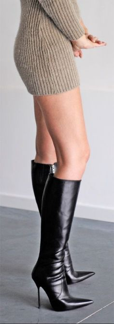 Simple boots that are sexy without crossing the line to slutty. #blackhighheelshot