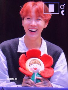Throwback to Chuseok 2016 with flower Hobi Bts Photo, Foto Bts, Jung Hoseok, Jikook, J Hope Dope, Jhope Flower, J Hope Smile, V Chibi, Cypher Pt 4