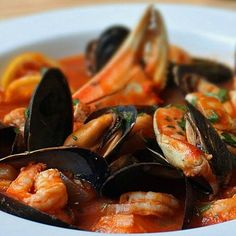 Food Wishes Video Recipes. The best videos on cooking I ave seen so at. Worth the time to explore. Seafood Cioppino, Seafood Stew, Fish And Seafood, Grilled Seafood, Seafood Recipes, Cooking Recipes, Seafood Dishes, Shellfish Recipes, Soup Recipes