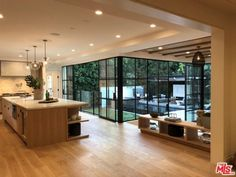 Justin Bieber and Hailey Baldwin Pick Up a Fabulous Beverly Hills Spread - DailyDeeds - March 2019 Justin Bieber House, Dream Home Design, House Design, Interior And Exterior, Interior Design, Guest Suite, Guest Bedrooms, Home Fashion, Zaha Hadid