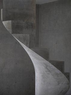 house-akitsu-kazunori-fujimoto-architect-associates-japan-architecture-concrete_dezeen_2364_col_7