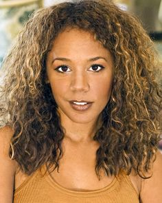 "Rachel True -- (11/15/1966-??). Film & Television Actress. She portrayed Janet Clemens on TV Series ""The Drew Carey Show"", Mona Thorne on ""Half & Half"".  Movies -- ""A Girls Guide to... Sex"" as Bridget, ""Embrace of the Vampire"" as Nicole, ""The Craft"" as Rochelle and ""Half Baked"" as Mary Jane Potman."