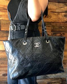 e81e6af51e2 Speed in to grab your favorite LV Speedy bags! Stop by today or tomorrow  10-5pm! Don t live local  No problem! Call text us…   The Mosh Posh  Life-STYLE ...