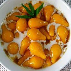 Indonesian Desserts, Asian Desserts, Indonesian Food, Sweet Desserts, Roti Canai Recipe, New Menu, Cake Recipes, Deserts, Food And Drink