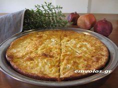 Πίτα που σηματοδοτεί την Ηπειρώτικη κουζίνα, η αλήθεια είναι τώρα που έπιασε για τα καλά το κρύο, η σκέψη της αλευρόπιτας, με ταξιδεύει στο Φαράγγι του Βίκου, άλλωστε εκεί στο Μονοδένδρι δοκίμασα το 1990, την νόστιμη πίτα «δια χειρός Κικίτσας». Από τότε σε κάθε μου ταξίδι στα Ζαγοροχώρια, η πίτα αποτελεί must για το πρωινό …