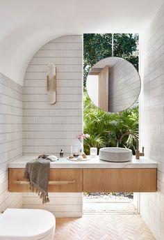 Bad Inspiration, Bathroom Inspiration, Mcm House, Bathroom Renos, Bathroom Mirror Wall, Wooden Wall Bathroom, Wooden Vanity, Bathroom Laundry, Mirror Glass