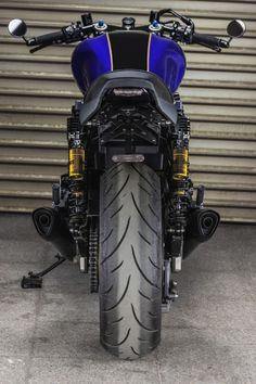 Yamaha 'The Big Blue' by Macco Motors Yamaha Cafe Racer, Cafe Bike, Cafe Racer Motorcycle, Moto Bike, Blue Motorcycle, Motorcycle Types, Ducati 749, Xjr 1300, Stunt Bike