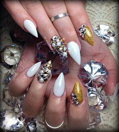 Golden #nailart #nails