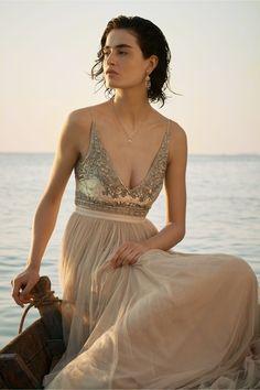 Bridal Style: BHLDN – Destination Wedding and Honeymoon Outfits Wedding Dresses Under 500, Bride Reception Dresses, Bhldn Wedding Dress, Gorgeous Wedding Dress, Boho Wedding, Bridal Gowns, Wedding Gowns, Destination Wedding, Summer Wedding