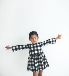 Discover the new ZARA collection online. The latest trends for Woman, Man, Kids and next season's ad campaigns. Fashion Kids, Little Girl Fashion, Fashion Clothes, Zara Kids, Outfits Niños, Kids Outfits, Look Girl, Kids Wardrobe, Stylish Kids