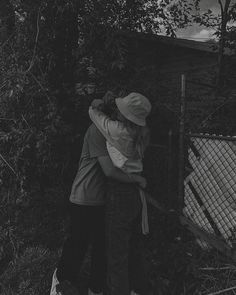 21 Ideas black and white bird aesthetic Relationship Goals Pictures, Cute Relationships, Cute Couples Goals, Couple Goals, Arte Indie, Photographie Portrait Inspiration, The Love Club, Wanting A Boyfriend, Teen Romance