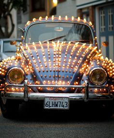 Volkswagen – One Stop Classic Car News & Tips Volkswagen New Beetle, Beetle Bug, Vw T1, Vw Beetles, Blue Beetle, Volkswagen Golf, Christmas Car, Led Christmas Lights, Holiday Lights