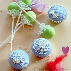 Pistazien-Cupcakes » Foto: Andrea Jungwirth Cake Pops, Cupcakes, Cookies, Desserts, Food, Gel Stains, Food Recipes, Biscuits, Meal
