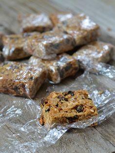 Chewy Cinnamon Raisin Granola Bars | mountainmamacooks.com #glutenfree #naturallysweetened
