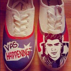 Zayn Malik from One Direction shoes! One Direction Shoes, One Direction Pictures, Harry Styles Face, A Moment To Remember, Niall And Harry, Band Outfits, Irish Boys, Louis Williams, Edward Styles